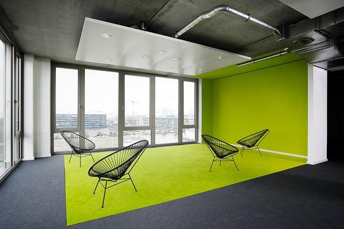 1_Zalando_HQ_informal meeting zone