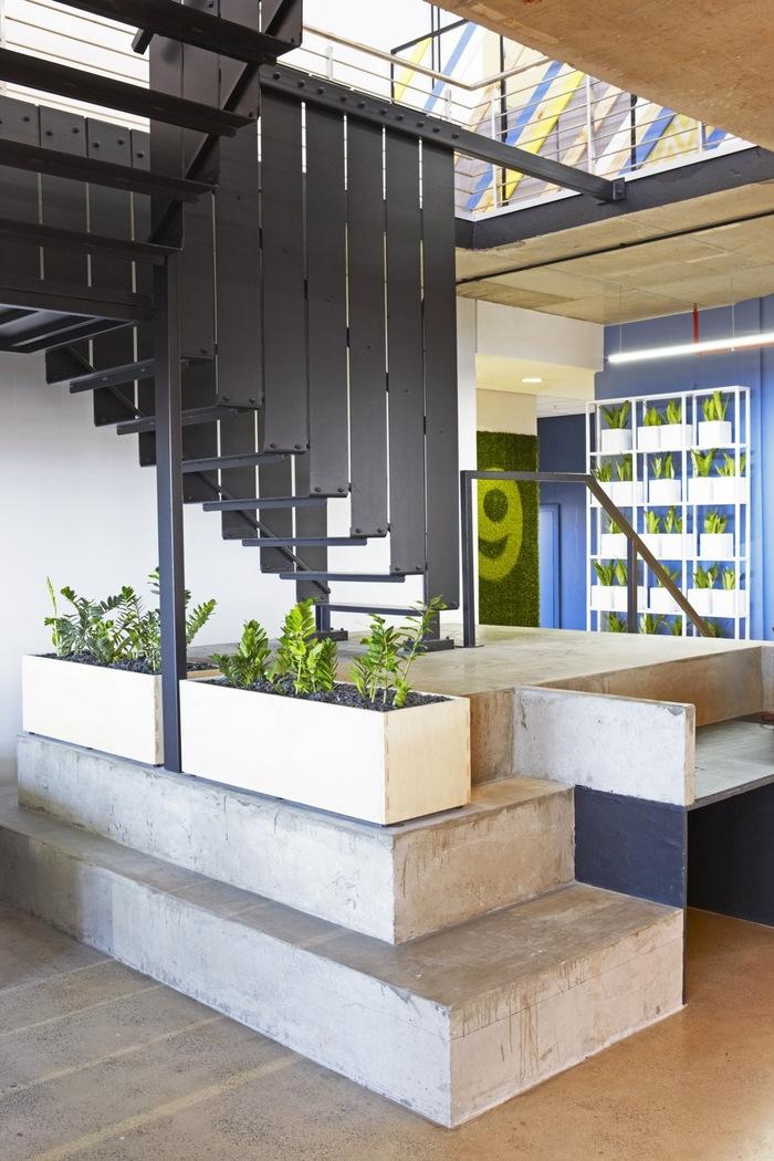 99c-office-design-10