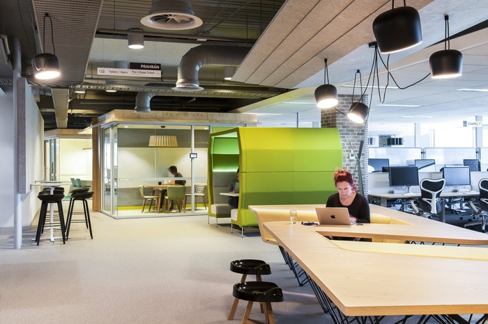 rea-group-office-design-16
