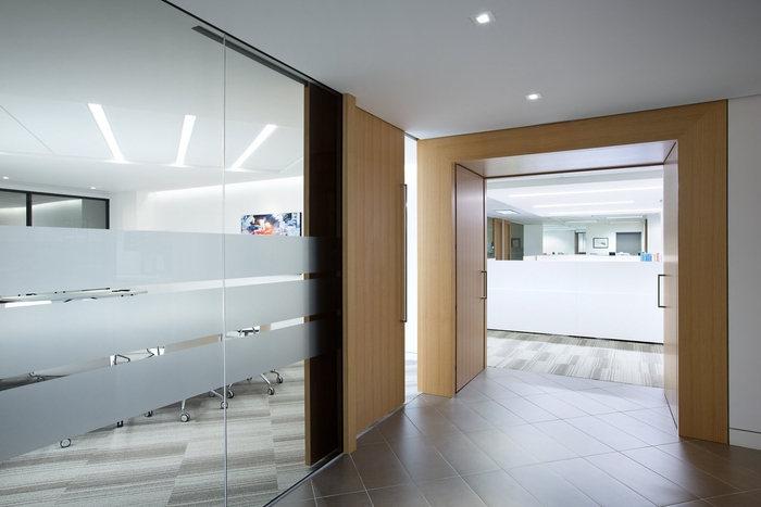 executive-office-office-design-9