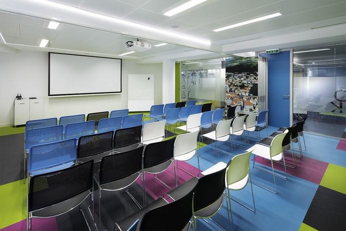 skyscanner-office-design-23