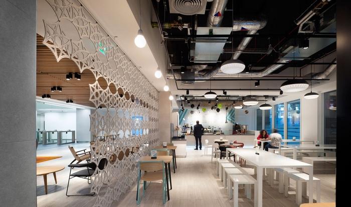 thomas-more-office-design-6