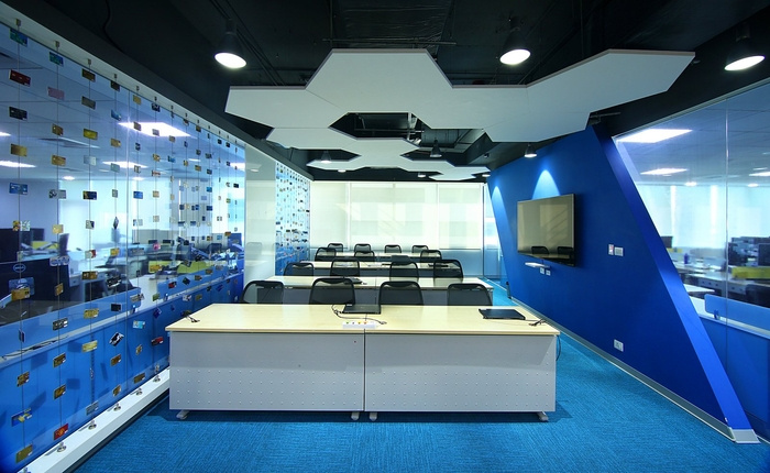 visa-bangalore-office-design-13