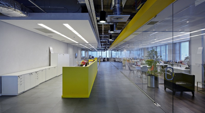 LewLara-TBWA-office-design-8