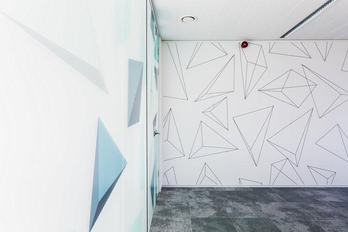bpc-technologies-office-design-11