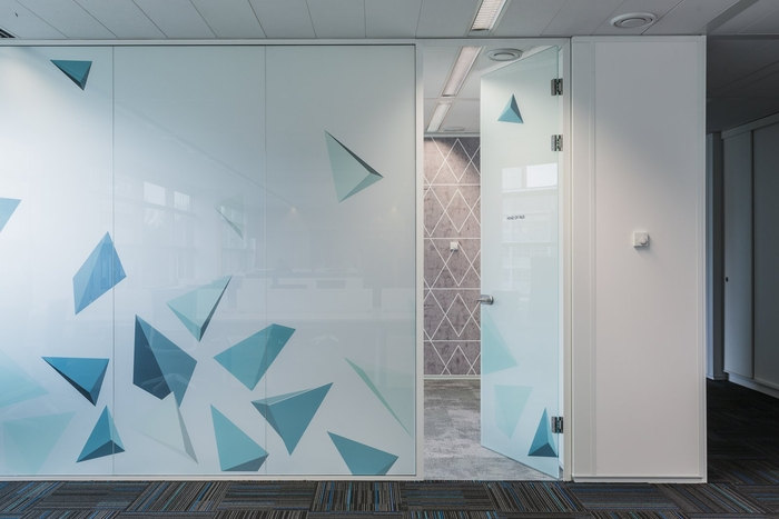 bpc-technologies-office-design-6