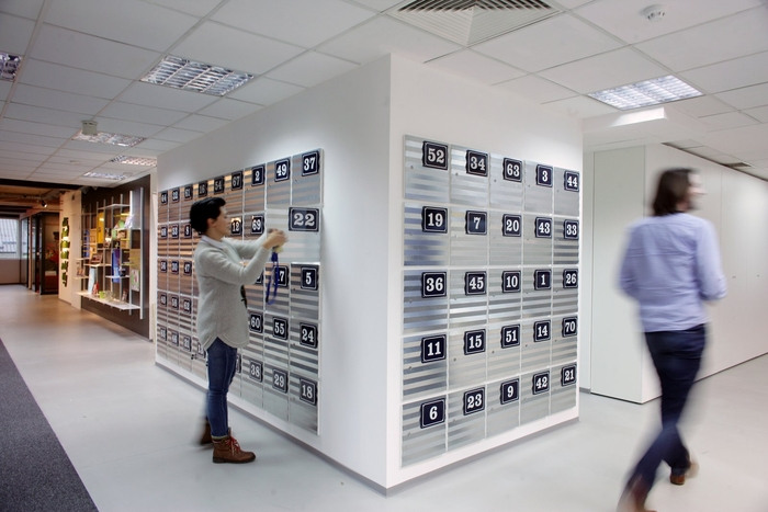 bookingcom-office-design-10