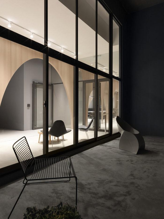 hm-distribution-office-design-14