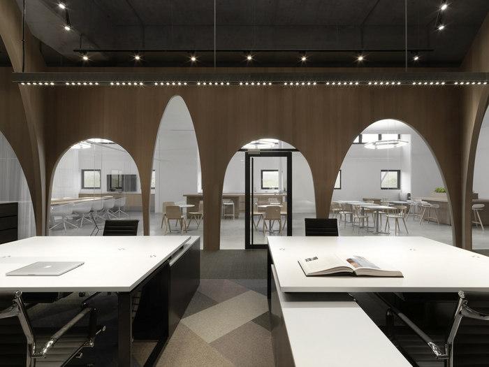 hm-distribution-office-design-3