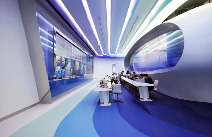 cloud-dcs-data-center-office-design-12