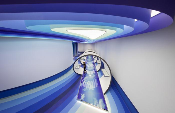 cloud-dcs-data-center-office-design-3