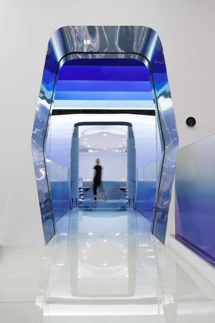 cloud-dcs-data-center-office-design-5