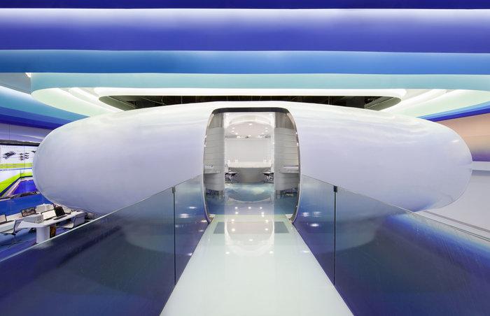 cloud-dcs-data-center-office-design-6