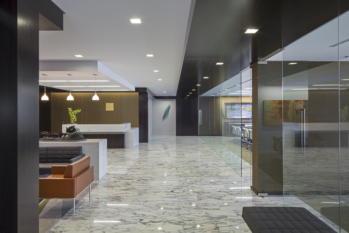 confidential-financial-client-office-design-1