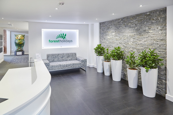 forest-holidays-office-design-10