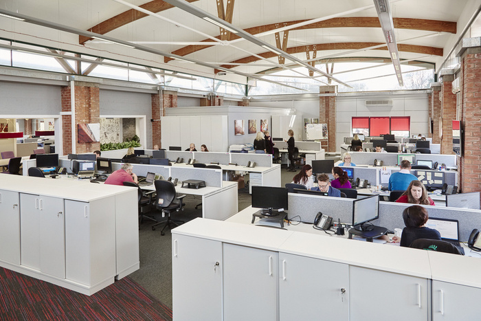 forest-holidays-office-design-5