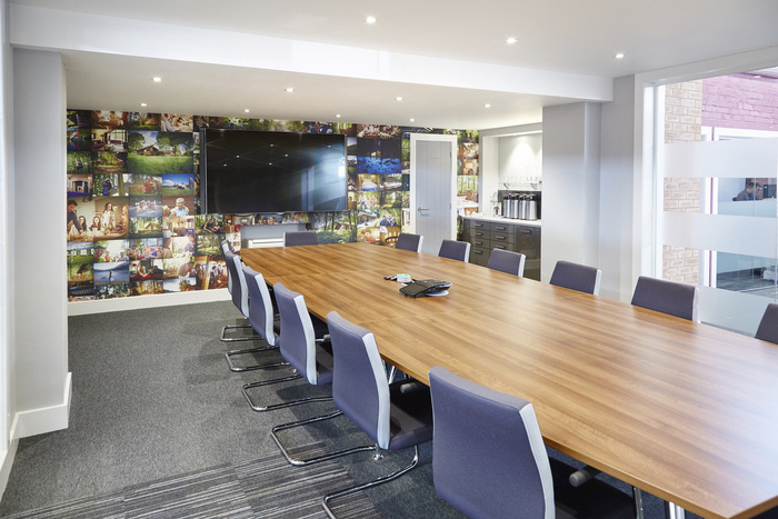 forest-holidays-office-design-6