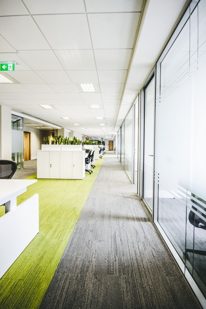 prothena-biosciences-office-design-2