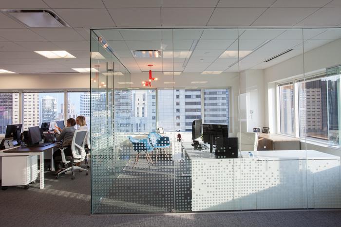 sthree-office-design-5
