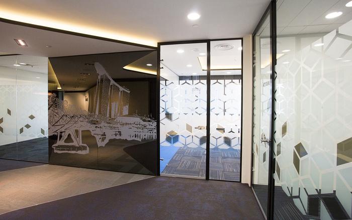 3-intertrust-meeting-room