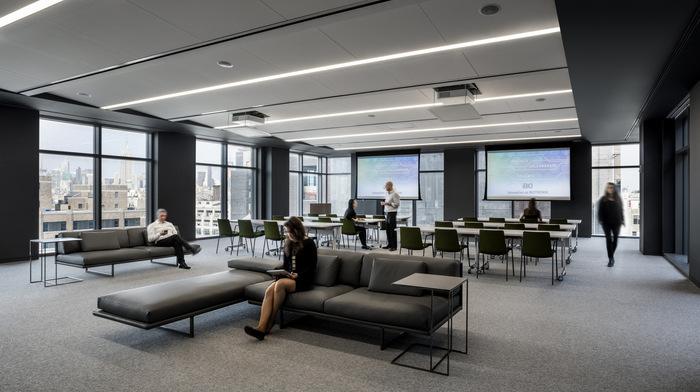 biotronik-office-design-4