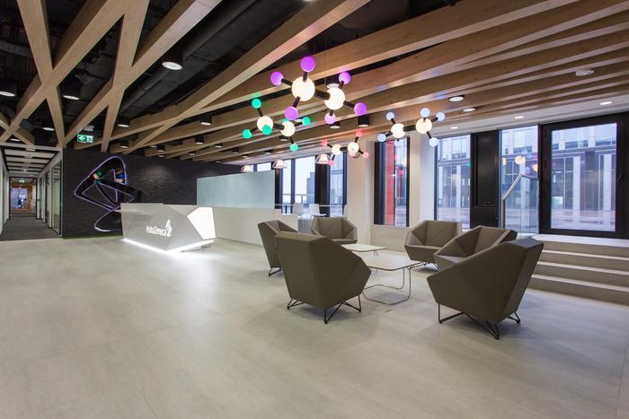 astra-zeneca-warsaw-office-design-1