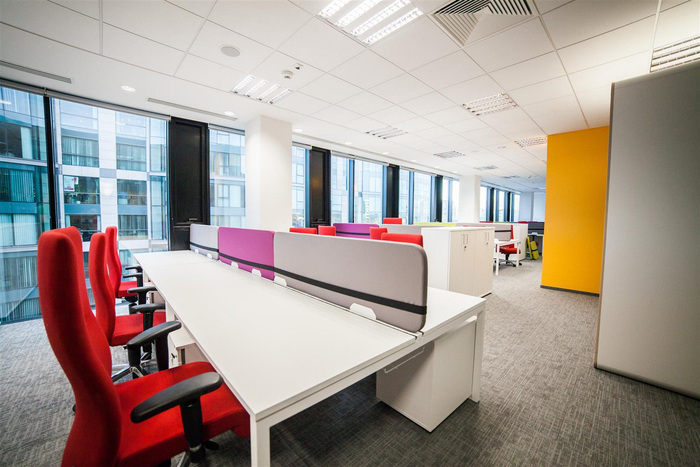 astra-zeneca-warsaw-office-design-6