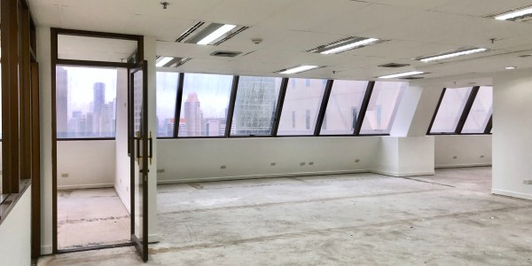 Partly Fitted Office Near BTS Surasak