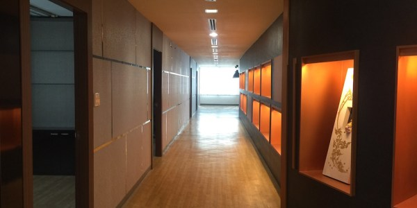 Partly Furnished Office Near MRT Huaikhwang
