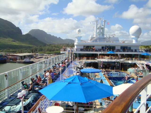norwegian cruise line pride of america hawaii pool