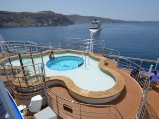 Princess Cruises Regal Princess aft pool
