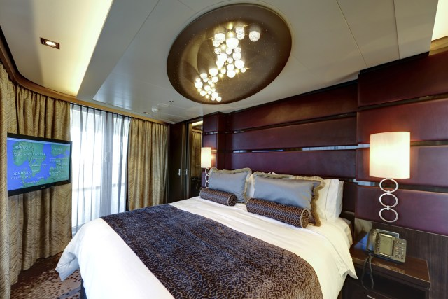 Norwegian cruises escape cruise ship bed