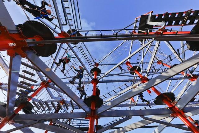 Norwegian cruises escape cruise ship ropes course sky