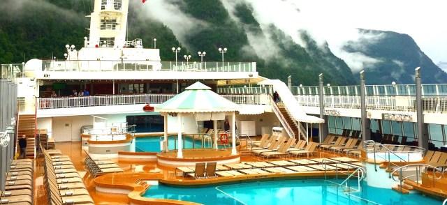 Norwegian cruises jade pool gazebo