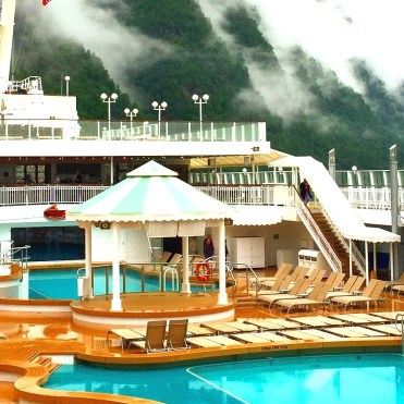 Norwegian cruises jade pool gazebo
