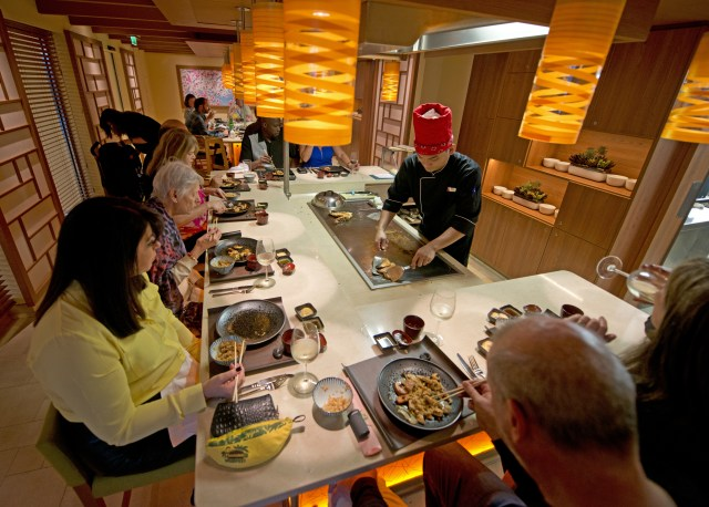 Carnival cruises Horizon cruise ship Bonsai teppanyaki tables