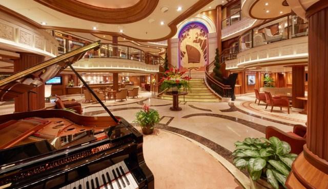 Cunard Queen Elizabeth Atrium Piano