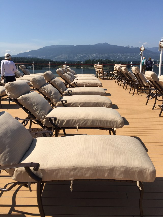 Cunard Queen Elizabeth comfy loungers