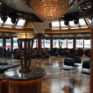 Cunard Queen Elizabeth Yacht Club