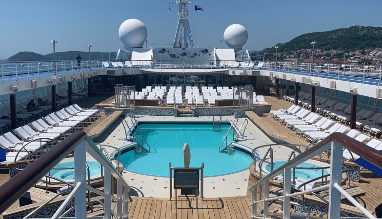 Regent Cruises Voyager Pool