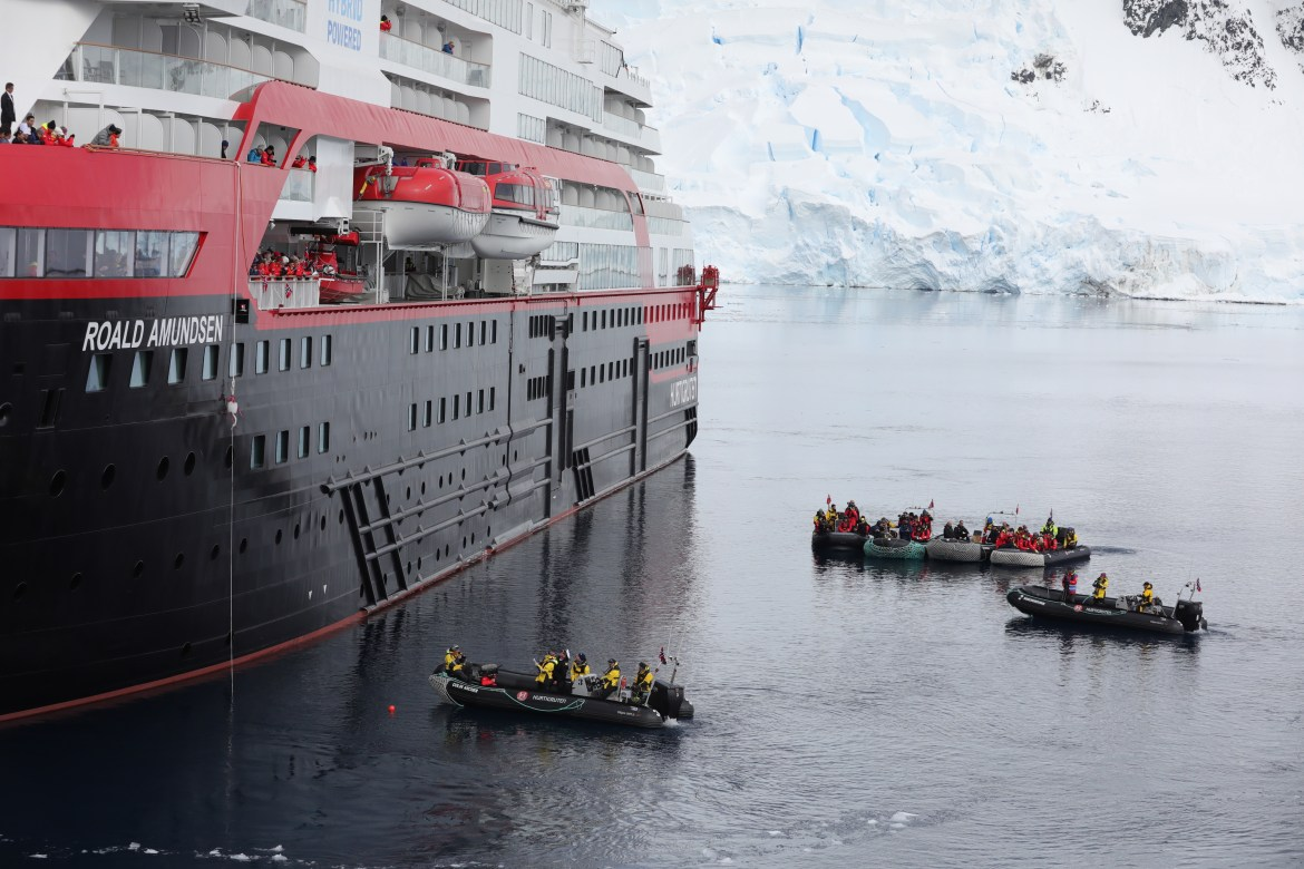 Hurtigruten to donate to Alaska charity during Earth Week cruise sale