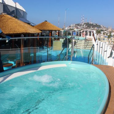 Carnival Cruises Panorama Havana hot tub and pool