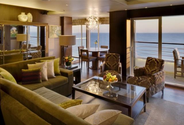 Crystal Cruises Symphony livingroom