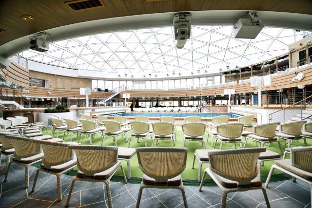 p and o iona cruise ship skydome seating