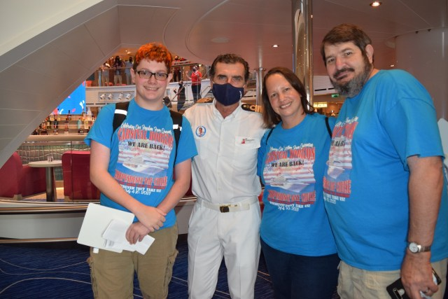 Carnival Cruise line Horizon cruise from Miami and welcomes passengers