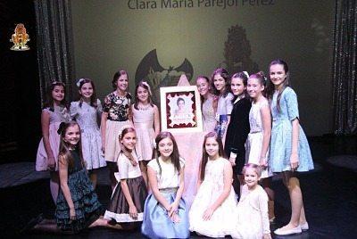 GALERÍA| El sentido homenaje de Quatre Carreres a Clara María Parejo, Fallera Mayor Infantil de València 2017
