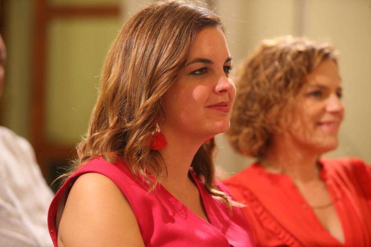 """Sandra Gómez plantea que las Falleras Mayores tengan un lugar """"más destacado"""""""