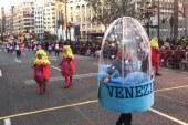 #Fallas17| Valencia se llena de crítica y sátira con la Cabalgata del Ninot
