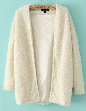 Sheinside. http://www.sheinside.com/White-Long-Sleeve-Loose-Faux-Fur-Coat-p-148508-cat-1735.html