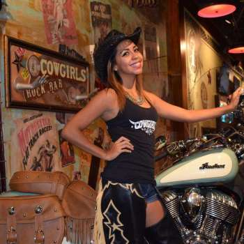 Cowgirls Rockbar